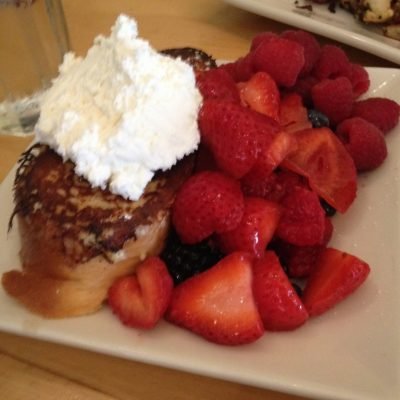 Berries with toast